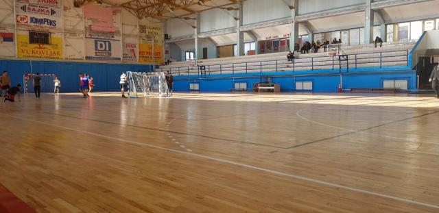 Фото: Хала изграђена 80-их година служи пођеднако школској деци, спортистима и рекреативцима